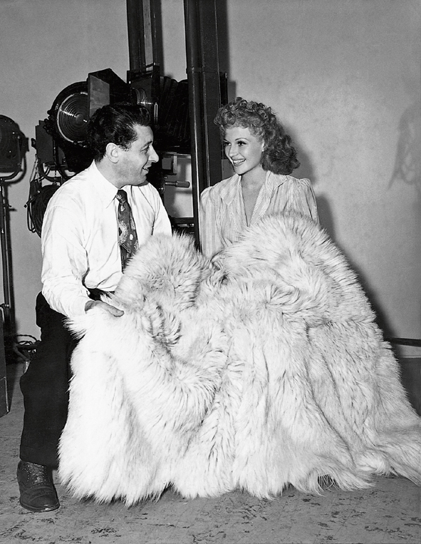 426_George Hurrell and Rita Hayworth, 1942-®JKF[6711]