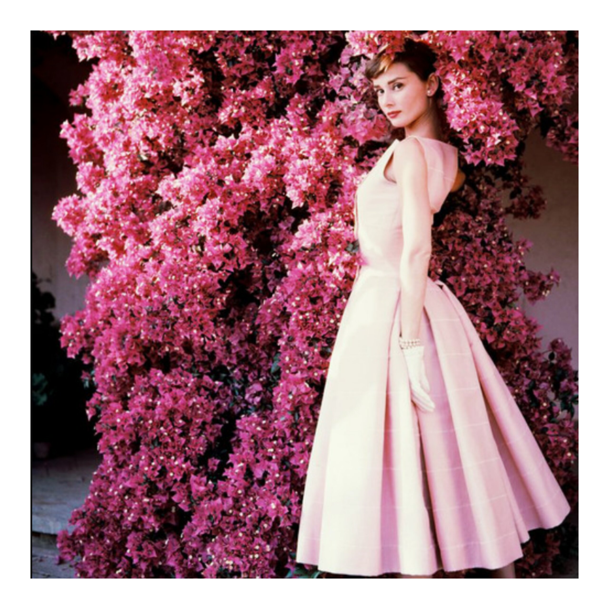 Think pink: il colore che sta facendo impazzire la moda dell'estate