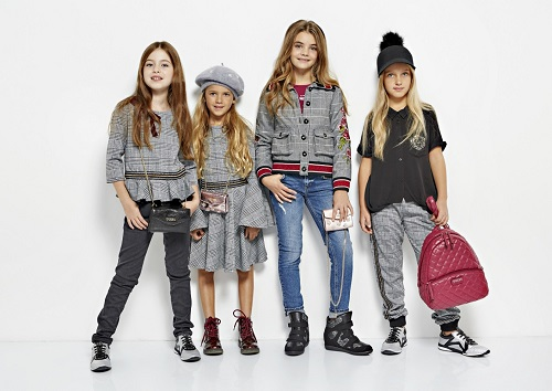 GUESS-KIDS-FW18_pitti-bimbo-2-705x500@2x