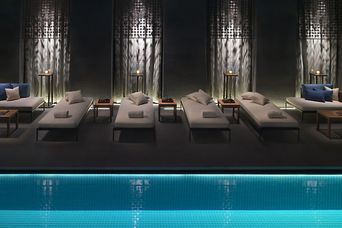 milan-luxury-spa-pool-loungers-01