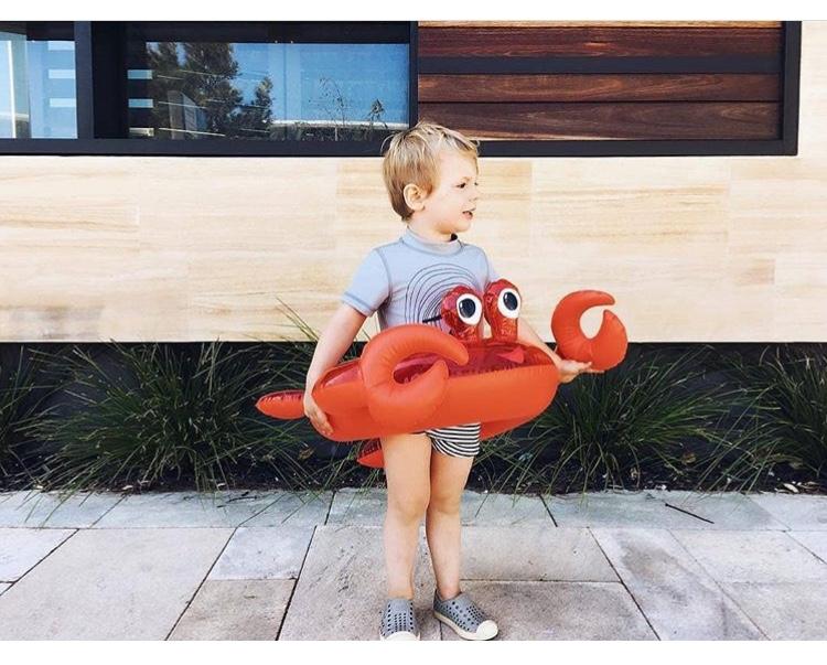 Bambini in vacanza: quello che non può mancare per l'estate 2018