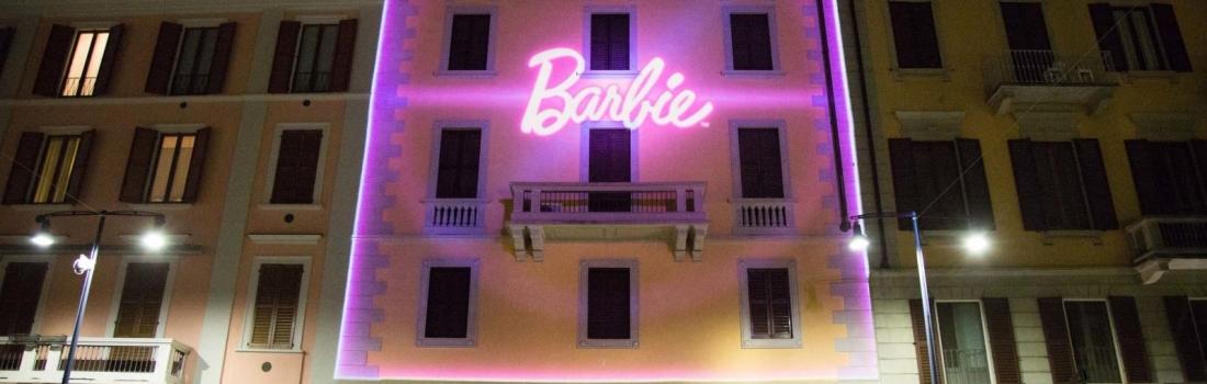 Barbie incanta la Design Week: la Casa dei sogni prende vita e diventa reale in Corso Como, a Milano