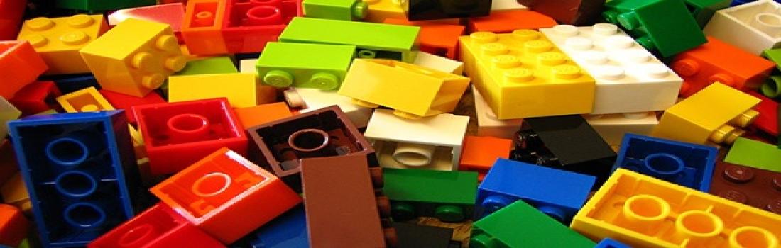 Buon compleanno Lego: il mattoncino più famoso di sempre compie 60 anni